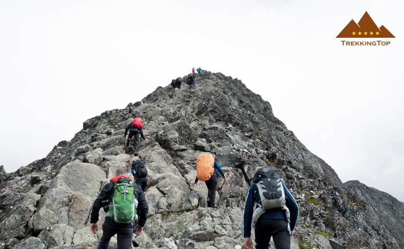 trekking-rocoso-cima