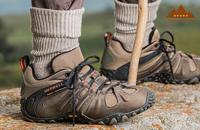 zapatillas-trekking-calcetines