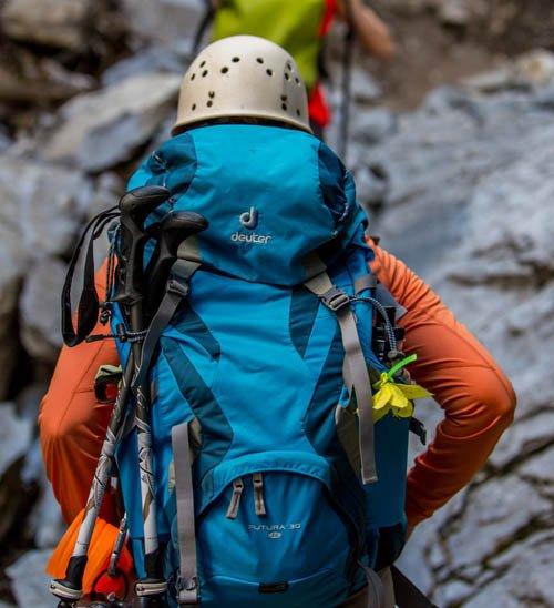 mochila-trekking-departamentos-cargada